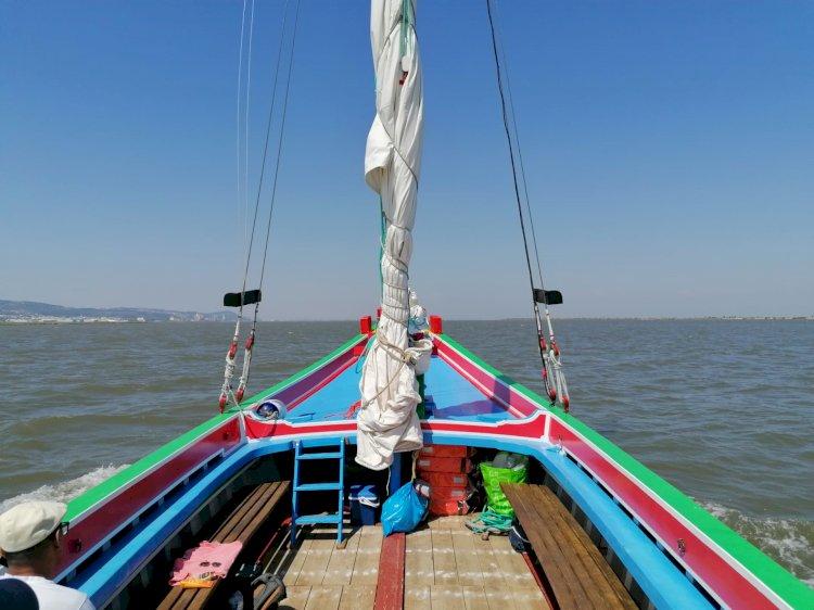 "Barco Varino ""Vala Real"" regressa às águas do Tejo, em Azambuja"