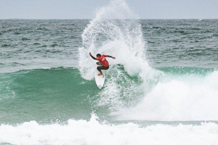 Liga MEO Surf – Vasco Ribeiro e Teresa Bonvalot conquistam o Allianz Sintra Pro