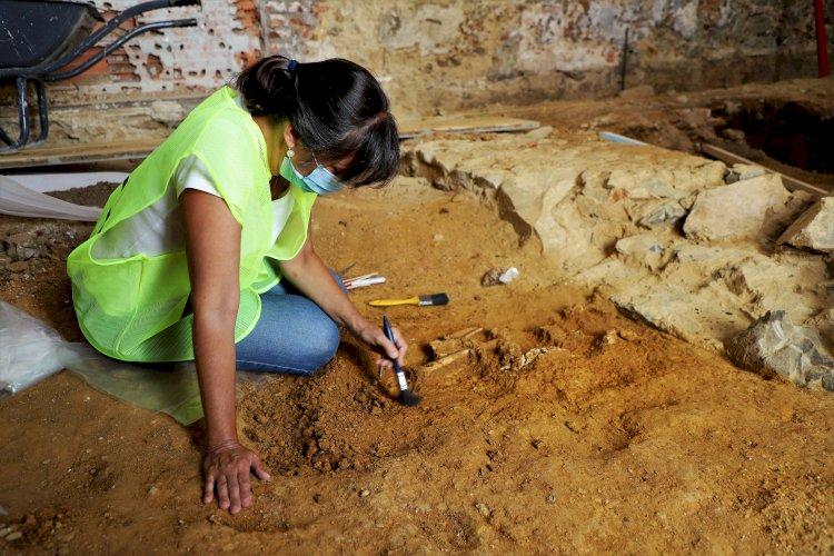 Obras nos antigos Paços do Concelho de Grândola revelam achados arqueológicos