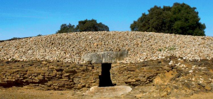 Monumentos megalíticos de Alcalar recebem Oficinas da Pré-História