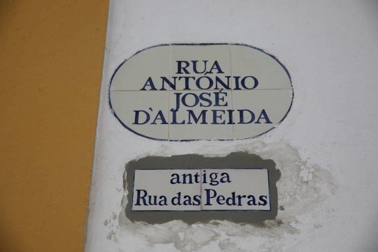 Município de Viana coloca topónimos antigos no Centro Histórico de Viana