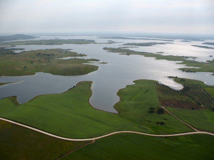 Reguengos de Monsaraz integra projecto europeu que vai criar obras de arte sobre o Lago Alqueva
