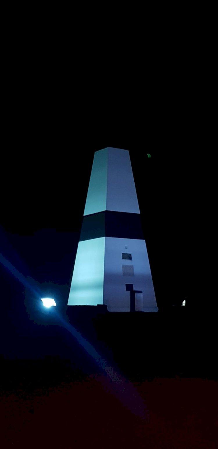 """Centro Geodésico de Portugal """"pinta-se"""" de azul e assinala o Mês da Prevenção dos Maus Tratos na Infância e o Dia Mundial da Consciencialização do Autismo"""