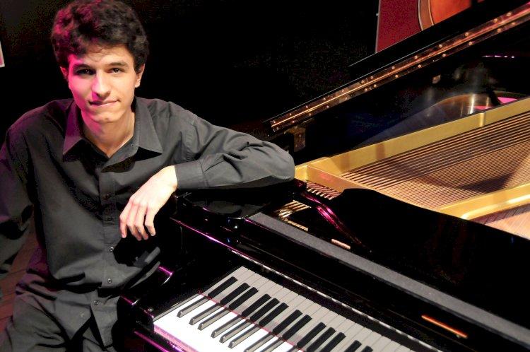Ao som do piano no Museu do Oriente