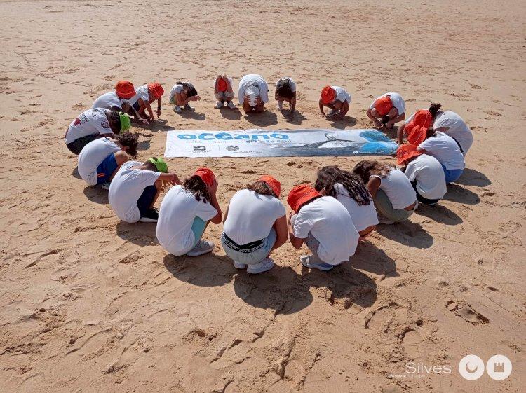 Acção de Limpeza Costeira Recolhe Mais de Uma Tonelada de Lixo
